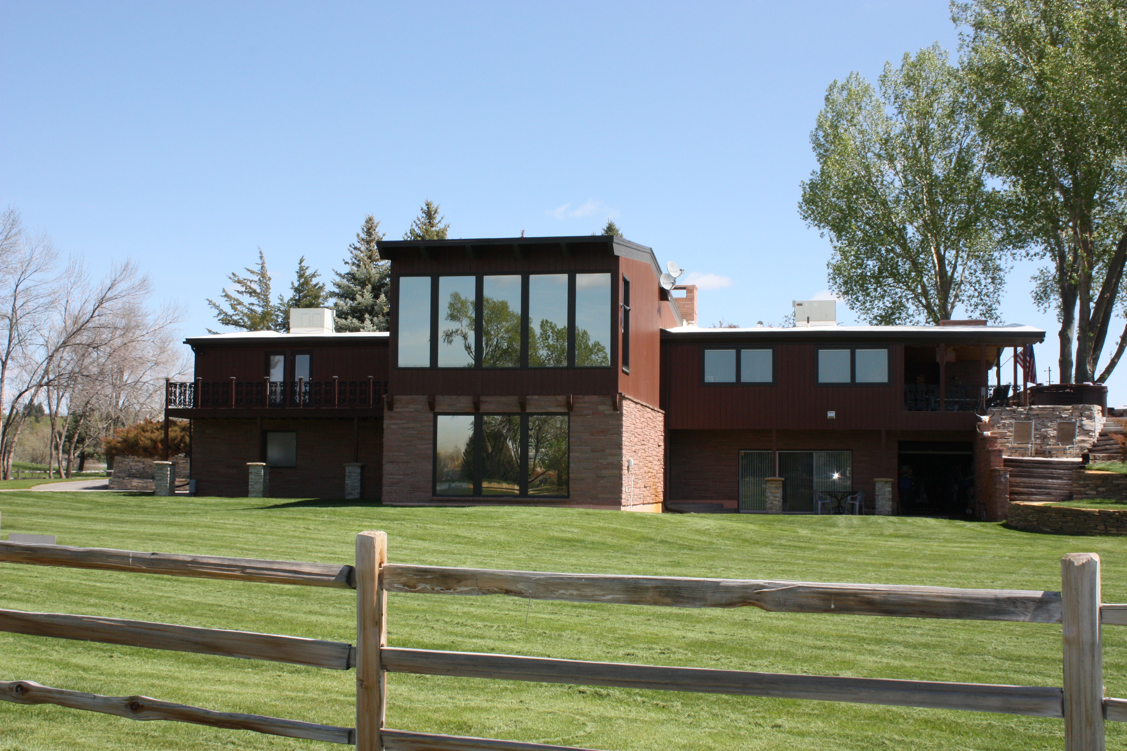 Wyoming real estate 444 augusta drive riverton wy for The riverton